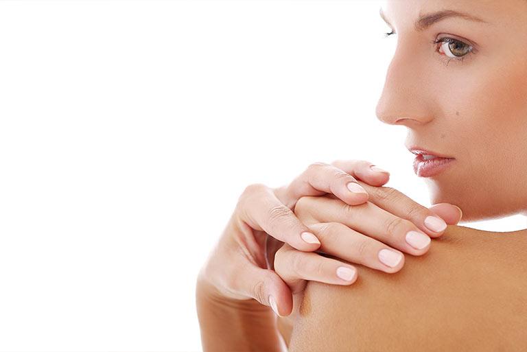elevar los pechos sin cirugía