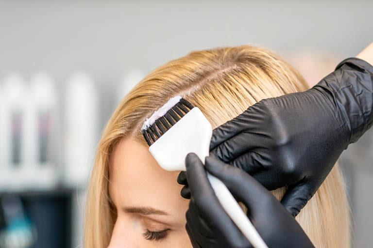 Los daños en el pelo teñido