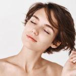 Medicina Estética Maestro. Chica joven tras tratamiento con ácido hialurónico para el surco nasogeniano