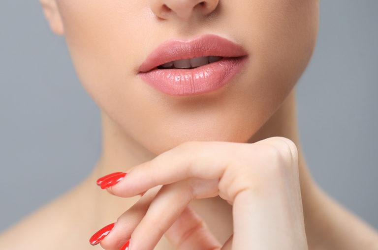 Relleno de labios con ácido hialurónico en Oviedo